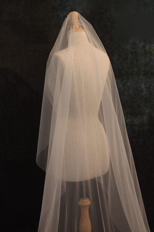 PLAIN CATHEDRAL LONG VEIL