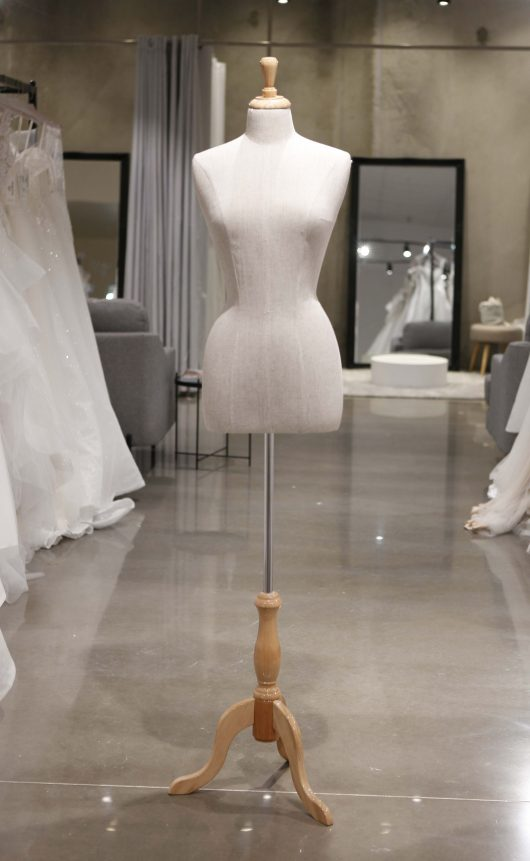 Mannequin - Female Torso with base size 8